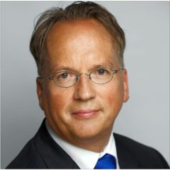 Pieter-Linkedin-240x240